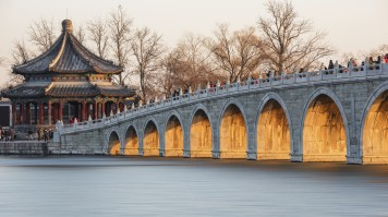 Take a stroll at the top attraction in China: Summer Palace