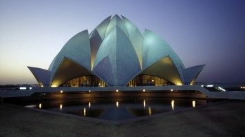 Lotus Temple is one of the things to do in Delhi