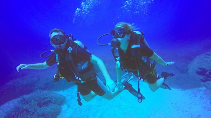 Things to do in Dubai scuba diving