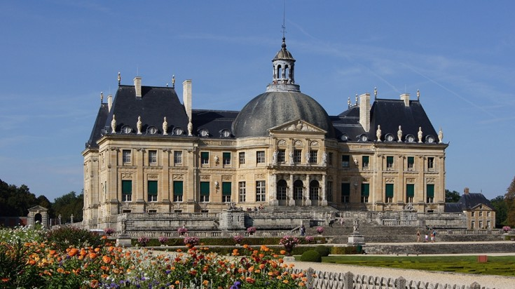 Visit a chateaux in France