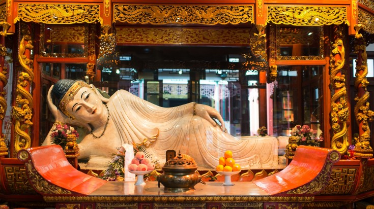 One of the best things to do in Shanghai is to view the Jade Buddha statue