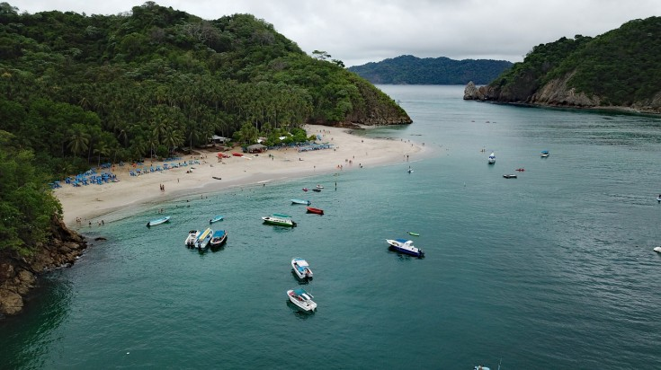 Tortuga Island is situated to the eastern tip of Nicoya Peninsula.
