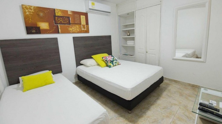Twin bed room at Hotel Manglar 421 in Colombia