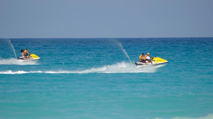 Water sports in Dubai jet skiing