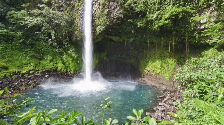 A waterfall in Viento Fresco in Costa Rica