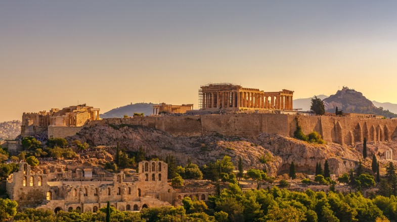 The striking Acropolis of Athens is a sight for sore eyes.