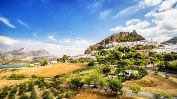 From lively Barcelona and boisterous Madrid to the historic Ronda and colorful Seville, there's plenty to see and do in Spain.
