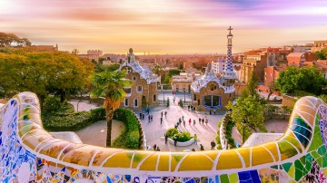 A sightseeing tour in Barcelona cannot be complete without visiting Park Guell, one of the masterpieces of famous Spanish architect Antoni Gaudi.