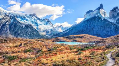 Straddling Chile and Argentina, and divided by the Andes running in the middle, Patagonia offers one of the top hiking and trekking destinations in the world.
