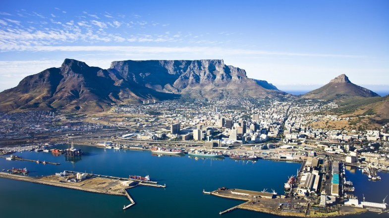 Cape Town is a dream vacation if are a hiking enthusiast. There are plenty of hiking trails in Cape Town for every type of hiker.