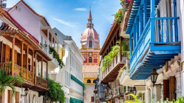 Admiring colonial architecture is one of many things to do on a short trip to Colombia