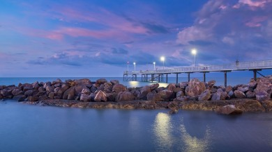 From its vibrant markets to its cruises and crocs, Darwin is one of Australia's tropical paradises; it's the perfect