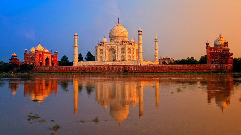 Delhi and Agra make up two of the three points in India's Golden Triangle, so travel between the two cities is common.