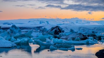 Glacier lagoons are a popular sight in Iceland, day or night