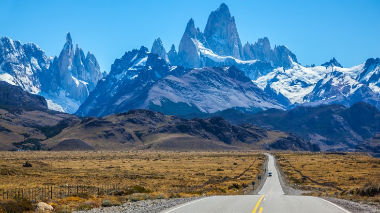 Sitting near the edge of the breathtaking Southern Ice Field, El Chalten and El Calafate are two famous Argentinian towns that are a definite not miss.