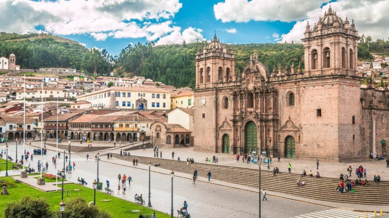 You can get from Lima to Cusco via plane or a bus