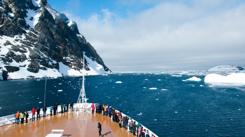 Holidays in Antarctica will take you to uninhabited places in Earth