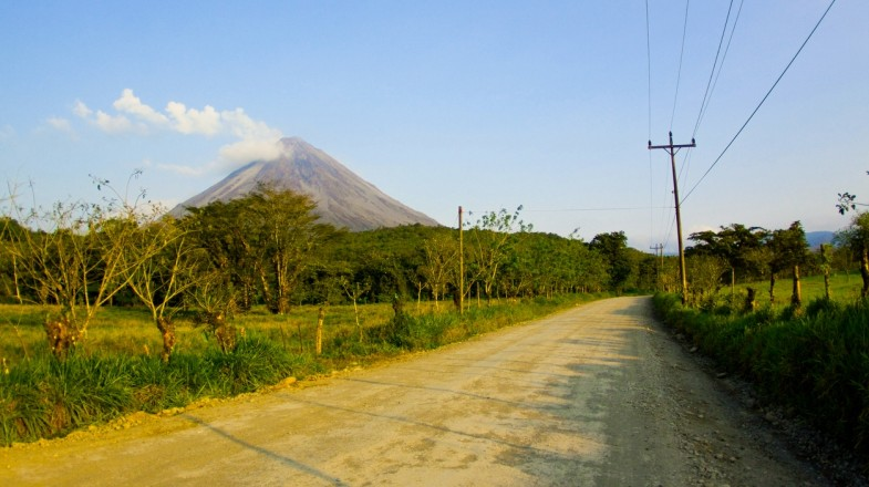 There are many ways to get from San Jose to La Fortuna