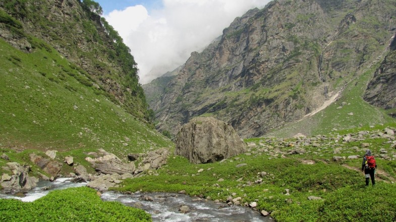 Famed for spectacular Himalayan landscapes, stunning mountain scenery and manageable walking, Hampta Pass Trek is a great option for all hikers.