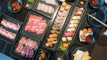Japanese cuisine offers plenty of gastronomical foodie delights with boundless variety of cuisine.