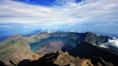 Mount Rinjani trek will make you climb an active volcano in Indonesia