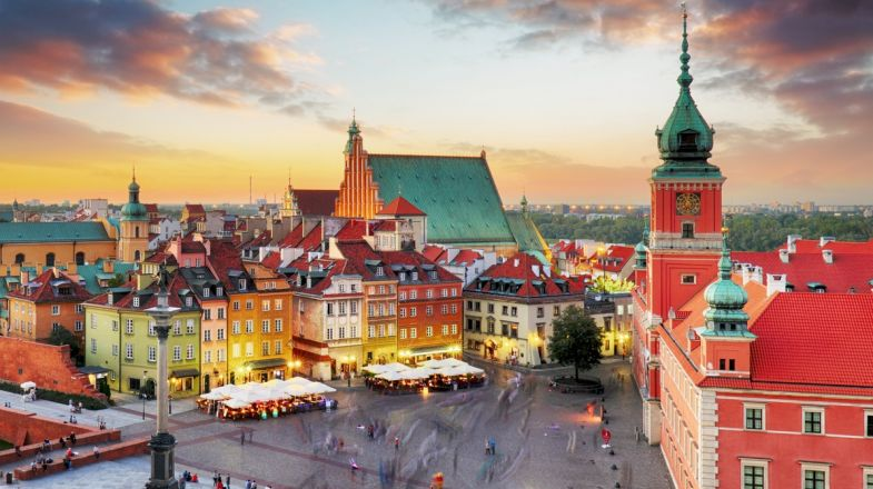 With temperate climates, and a variety of landscapes, head out to the beach, the ski slope, or tour castles to satisfy your heart's desire in Poland.