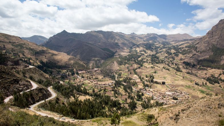 Sacred Valley tour is a major tourist attraction in Macha Picchu. The attractions of the Sacred Valley are varied and appeals all kinds of tourist.