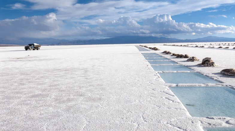 Located in the provinces of Salta and Jujuy in northwestern Argentina, Salinas Grandes are a vast white dessert that stretches for more than 200 square kilometers in