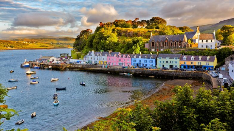 A tour to Scotland is perfect for both the adventurous kind and academics. The country has so much history to see and so many thrilling activities to experience.