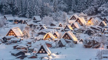 Listed in the UNESCO World Heritage Site, Shirakawa village is a small and traditional village located in Gifu Prefecture.