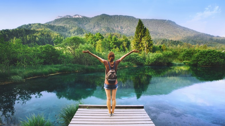 For anyone looking to meet people or make friends while traveling solo, we bring you our top 19 solo travel tips for initiating interactions.