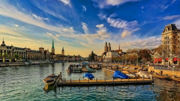 Zurich is known as the banking city having luxurious and high end shopping.