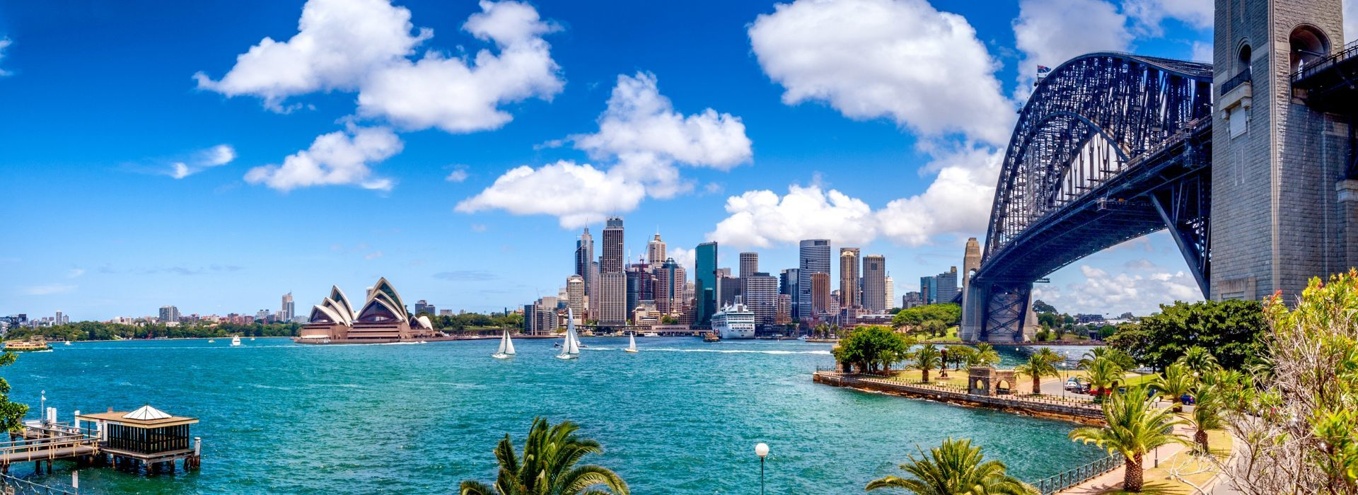 Boat tours, water sports and marine wildlife in Australia