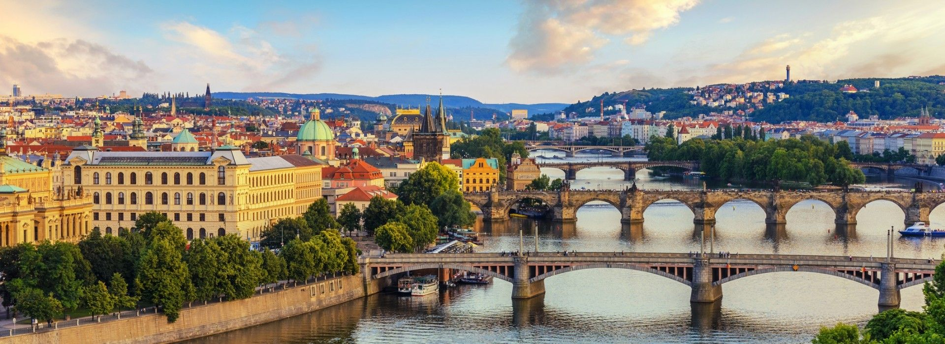 Boat tours, water sports and marine wildlife in Prague
