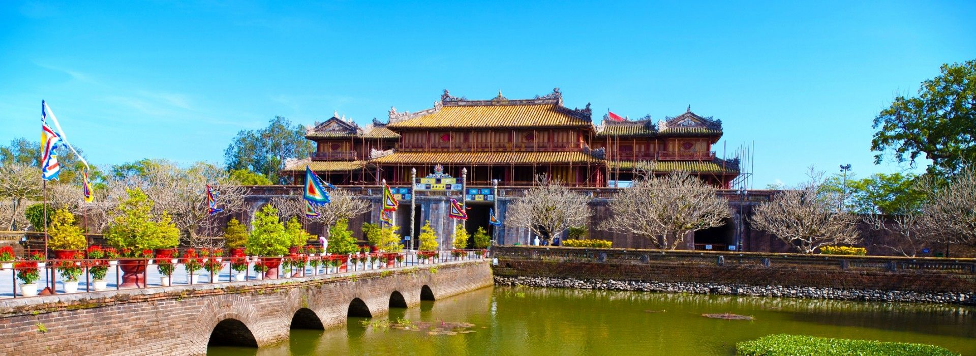 Hue tours and trips