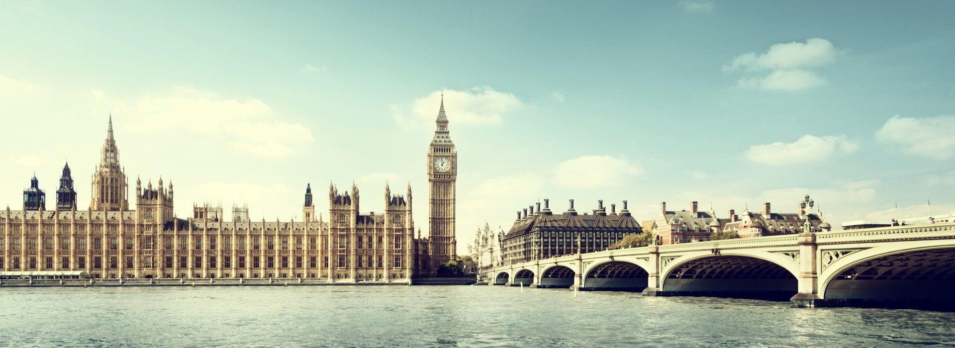 Natural landmarks sightseeing Tours in UK