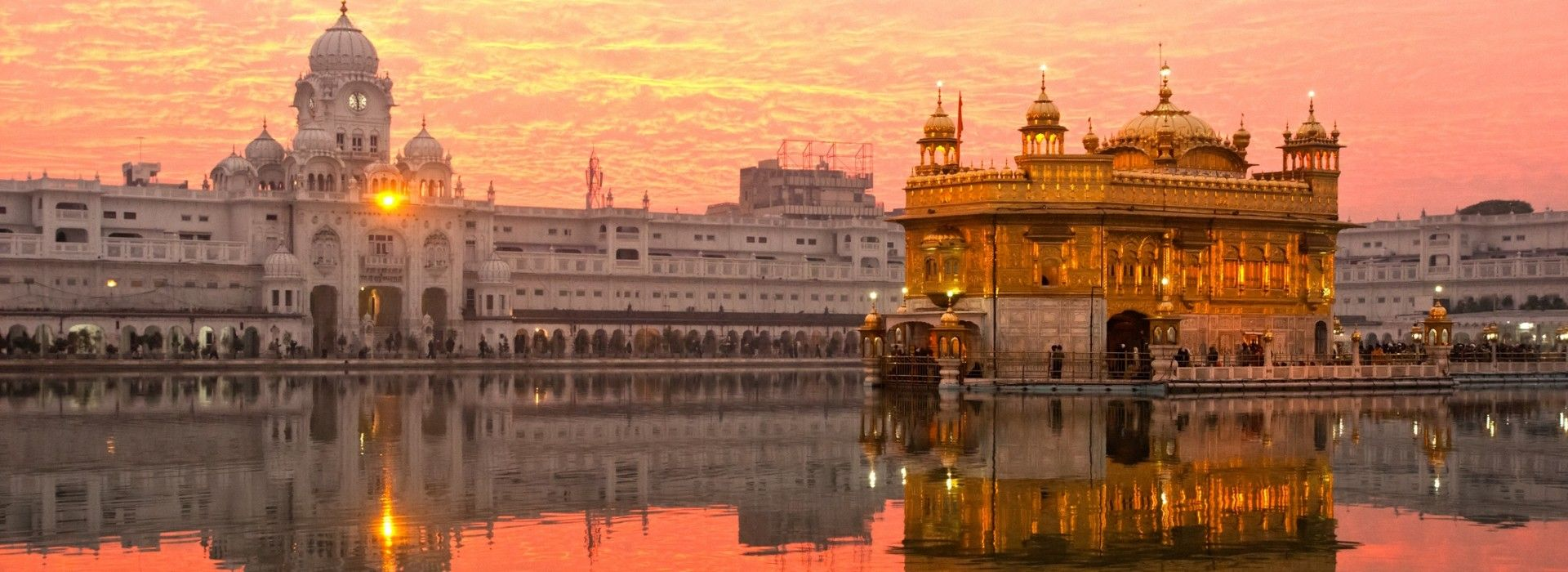 Sightseeing tours in India include visits to many enticing places