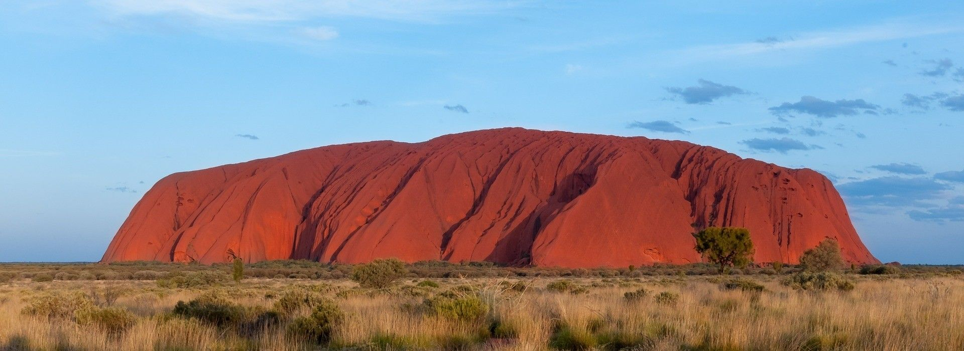 Uluru Rock is definitely the highlight of an Uluru tour