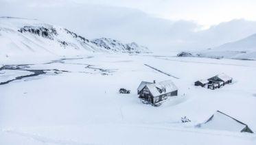 Alpine skiing in Landmannalaugar