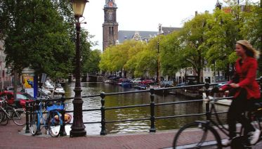 Amsterdam: 3-Hour Private Bike Tour of the City Center