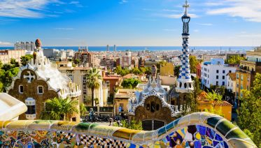 Artistic Barcelona: The Best of Gaudí