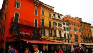 Backroads To Venice - Guided Cycle
