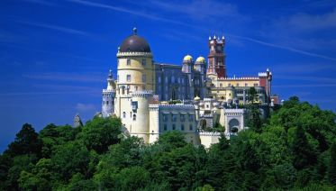 Beautiful Sintra and Fátima 2-day tour