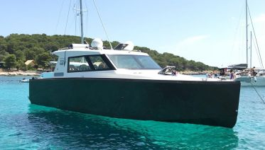 Blue Cave Tour from Split in a Luxury Boat