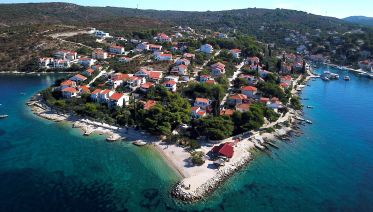 Blue Lagoon and Solta Tour from Trogir