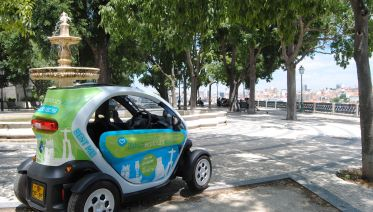 Bohemia Tour Lisbon in an electric car