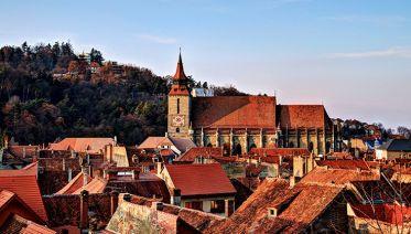 Bucharest City Tour with Dracula Castle Day Trip