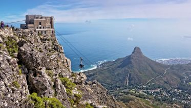 Cape Town,Table Mountain & Robben Island Tour