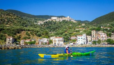 Cilento: Kayaking along the coast of the Sirens