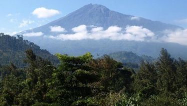 Climb Mount Meru: 4-Day Trek